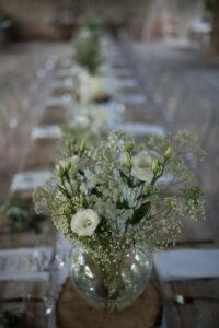 Svatební dekorace k pronájmu - dřevěná kulatina
