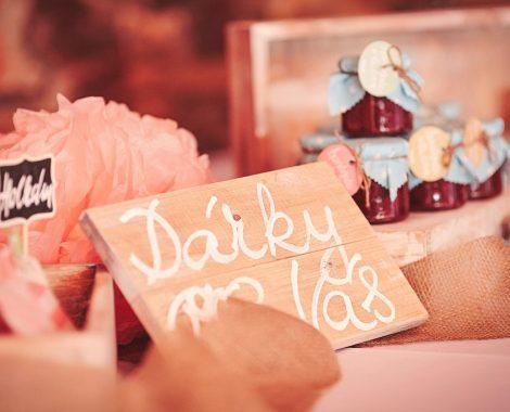 Svatební-dekorace-tabulka
